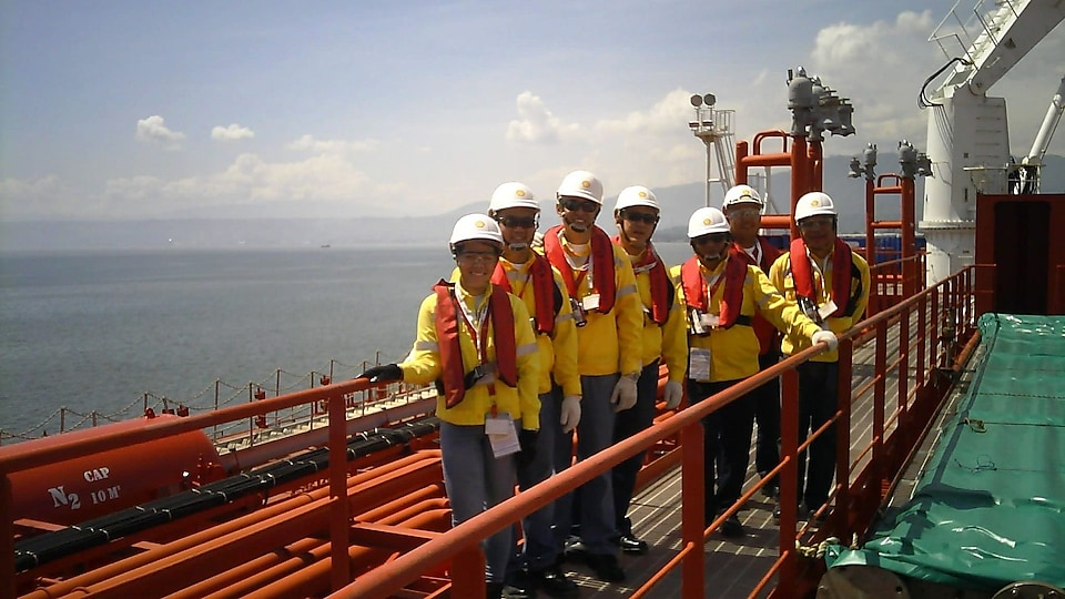 philippines shell officials onboard