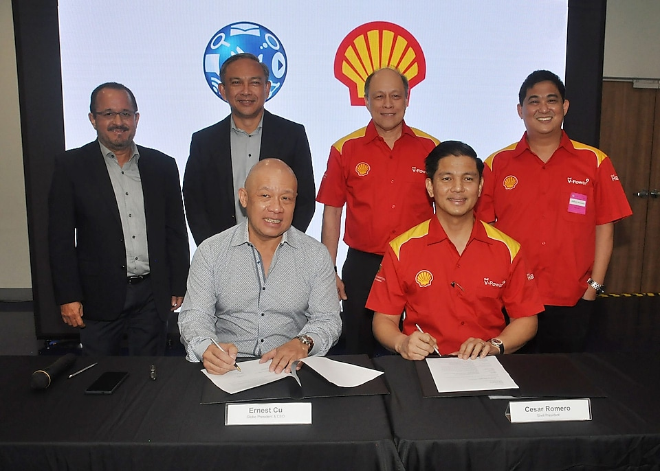 Pilipinas Shell Petroleum Corporation (PSPC) team with partners