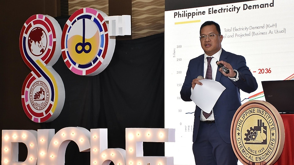 Shell Philippines Exploration (SPEX) GM Don Paulino delivers an insightful session at the 80th PIChE convention in Ortigas